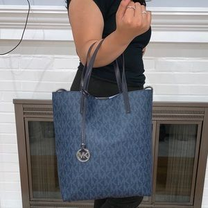 Michael Kors Blue Hayley Lge Convertible Tote Bag